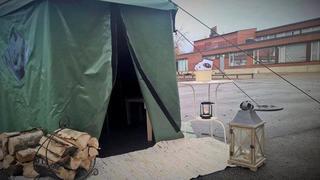 16066lyhyt telttasauna ulkoa