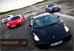 Koe vauhdin hurma Ariel Atomin, Ferrarin, Lamborghinin tai muun superauton ratissa, sisältää 1 yön majoituksen  Plzenissä