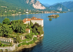 7 yötä Stresassa 4 tähden hotellissa Maggiorejärven rannalla, sis aamiainen ja veneretki. Lahjakortti voimassa koko kesän!