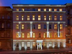 Lennot ja 2 yötä Prahan keskustassa upeassa design-hotellissa, sis. majoitus, ilmainen tasokorotus executive-huoneeseen ja aamiainen.