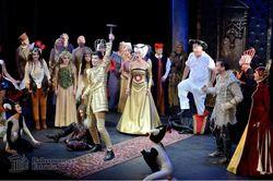 Carmen, Pähkinänsärkijä, Joutsenlampi, tai joku muu maailmankuulu esitys! Valitsemasi baletti, musikaali tai ooppera ja 1 yön majoitus Tallinnassa kahdelle. Sis. liput ja majoitus 4* L