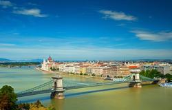 Budapest: Luksusta panoramanäkymällä Tonava kaunoiseen, sis. lennot, 3 tai 4 vrk majoitus kylpylähotellissa aamiaisella ja kylpylähoito. Lähdöt tammikuu - maaliskuu 2015!