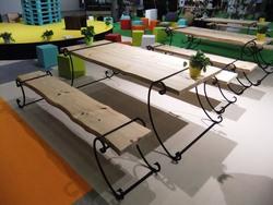 Rautajalat pöydälle